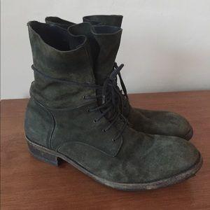 ARI mens lace up green nubuck boots